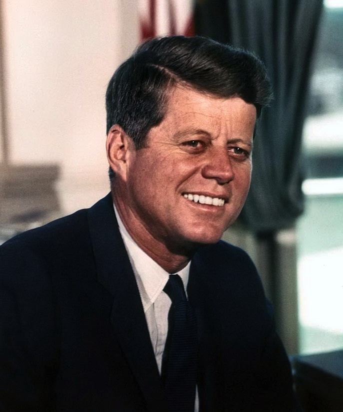 the biography of john fitzgerald kennedy John fitzgerald kennedy born: 5/29/1917 birthplace: brookline, mass john fitzgerald kennedy was born in brookline, mass, on may 29, 1917 his father, joseph p kennedy, was ambassador to great britain from 1937 to 1940.